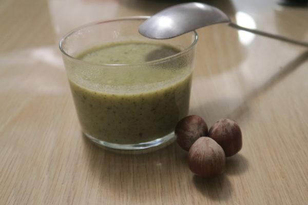 Soupe de brocolis à la noisette